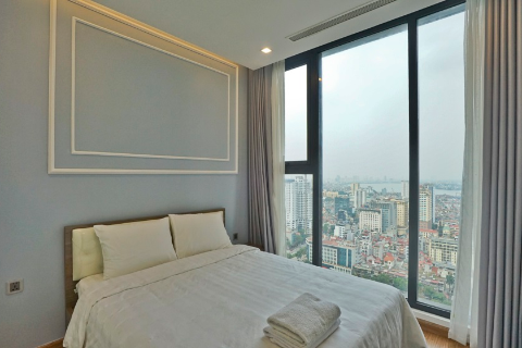 Luxury 2 bedroom apartment for rent in Vinhomes Metropolis, Lieu Giai, Ba Dinh