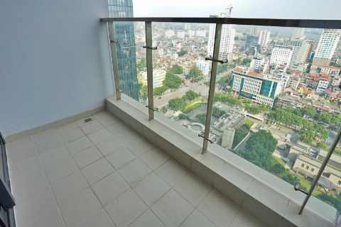 Lake view 4 bedroom apartment for rent in M1 Vinhomes Metropolis