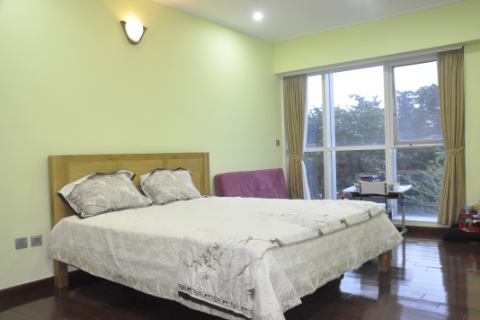Luxurious and Royal style 4 bedroom apartment for lease in Ciputra Tay ho Hanoi