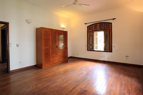 Beautiful 4 bedroom villa with large garden for rent in Tay Ho district, Hanoi