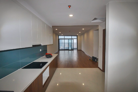 Bright apartment with 4 bedrooms for rent in Discovery Building, Cau Giay