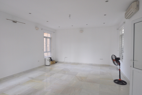 Swimming pool house with 5 bedrooms for rent in Xuan Dieu, Tay Ho, Hanoi