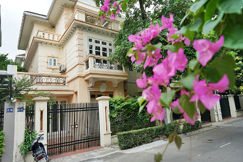 Modern and bright 5 bedroom villa for rent in D Block, Ciputra Hanoi, near UNIS school