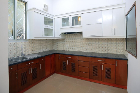 Cozy 2 bedroom house with 1 workroom and courtyard for rent in Tay Ho