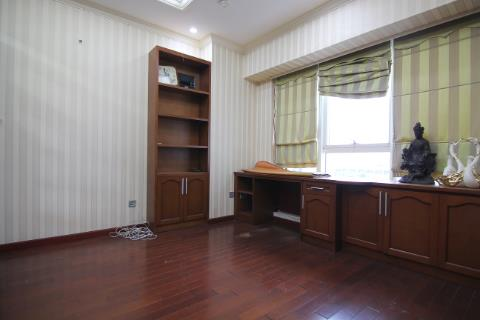 3 bedroom apartment for rent in Ciputra, good quality furniture