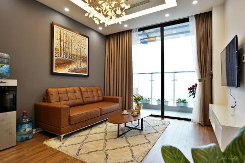 Luxurious and charming 2-bedroom apartment in Vinhomes Metropolis, Lieu Giai