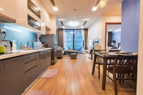Cozy one-bedroom apartment with full amenities Vinhomes Metropolis, Lieu Giai