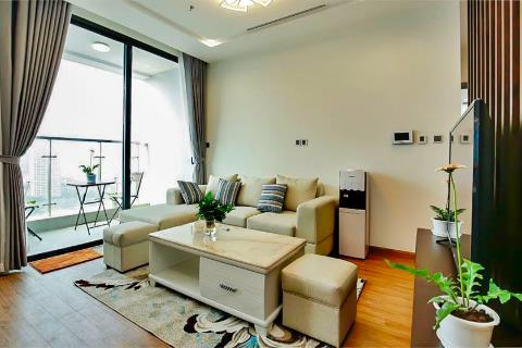 Modern 3 bedroom apartment for rent in Vinhomes Metropolis fully furnished