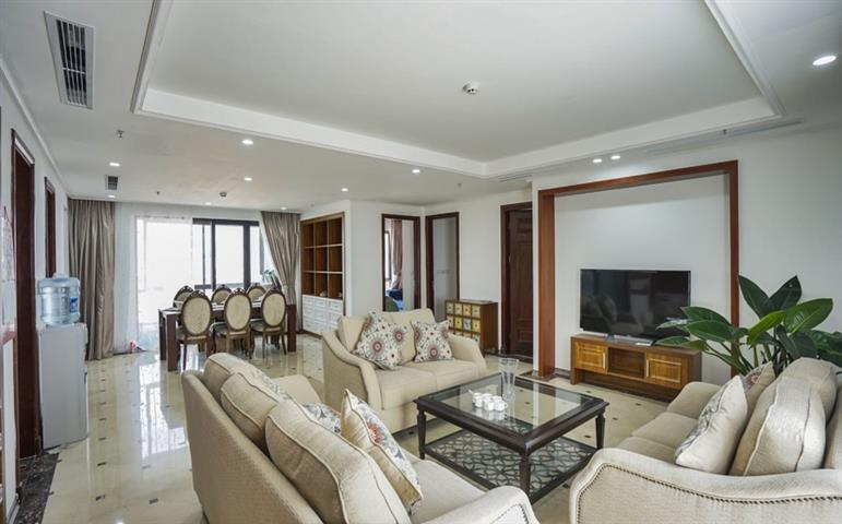 Modern and beautiful 4 bedroom apartment for rent in Ba Dinh, near Truc Bach lake