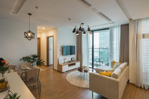 2 bedroom 82m2 apartment with good price for rent Vinhomes Metropolis, Lieu Giai