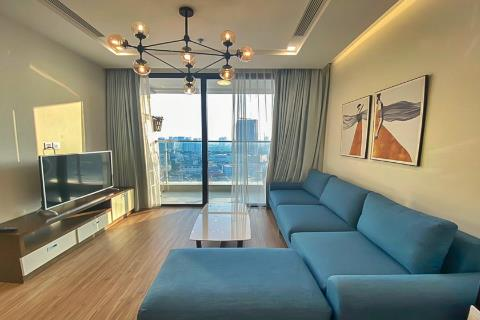 Bright 2 bedroom apartment with open views for rent in Vinhomes Metropolis, Ba Dinh