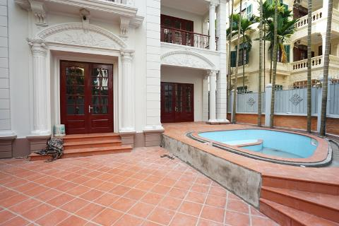 Spectacular 4 bedroom villa with spacious garden for rent on To Ngoc Van street