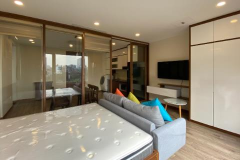 Brand new 02 bedroom apartment for rent in Ho Ba Mau Lake, Hanoi