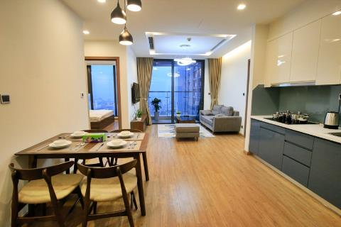 2-bedroom apartment overlooking the West Lake of M2 building at Vinhome Metropolis, Lieu Giai