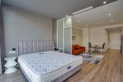 Lovely studio apartment for rent on Thuy Khue street, Ba Dinh district