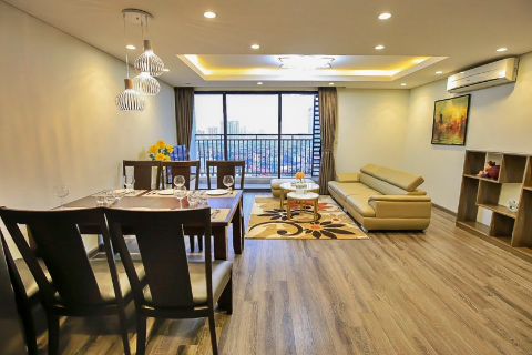 Beautiful and luxurious 2 bedroom apartment for rent near Lotte Center in Hong Kong Tower