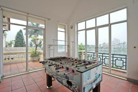 Lake view 4 bedroom house for rent on Tu Hoa street, Tay Ho
