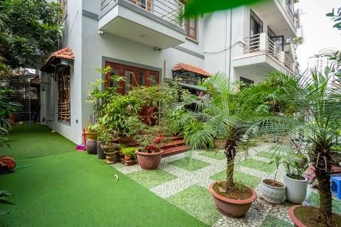Beautiful 4 bedroom house with spacious garden in Tay Ho for rent.