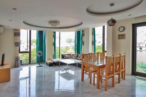 2 bedroom apartment for rent in Mac Dinh Chi street, Truc Bach area